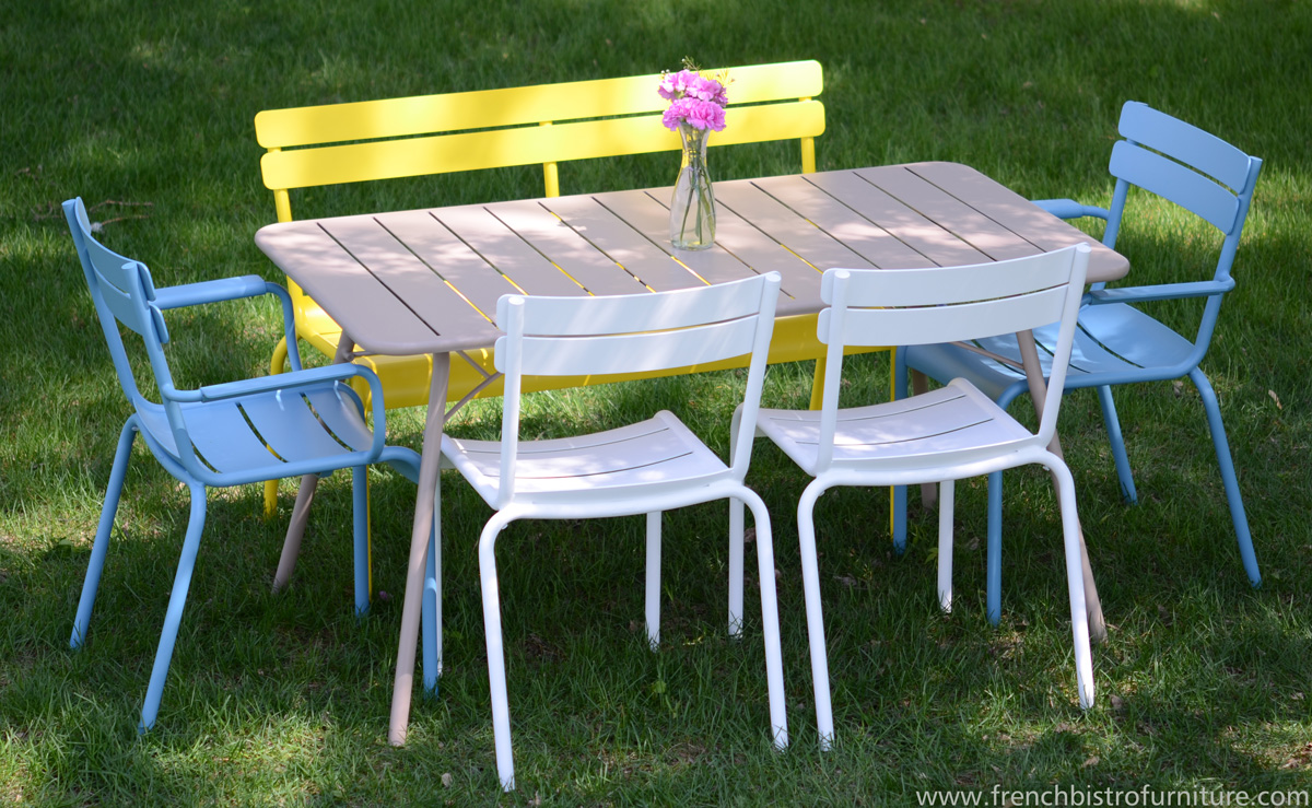 Fermob french furniture rapidly expanding its reach with - Table de jardin avec chaise ...