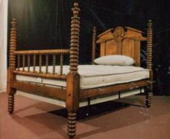 4 poster bed antique