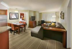 Hotels near Calgary Zoo, Calgary Long-Term Stay Hotel, Extended-Stay Hotels in Calgary AB