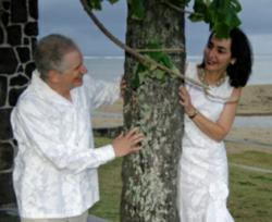 Hawaii Destination Wedding Couple
