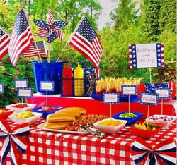 Patriotic Serveware at the Hot Dog Station