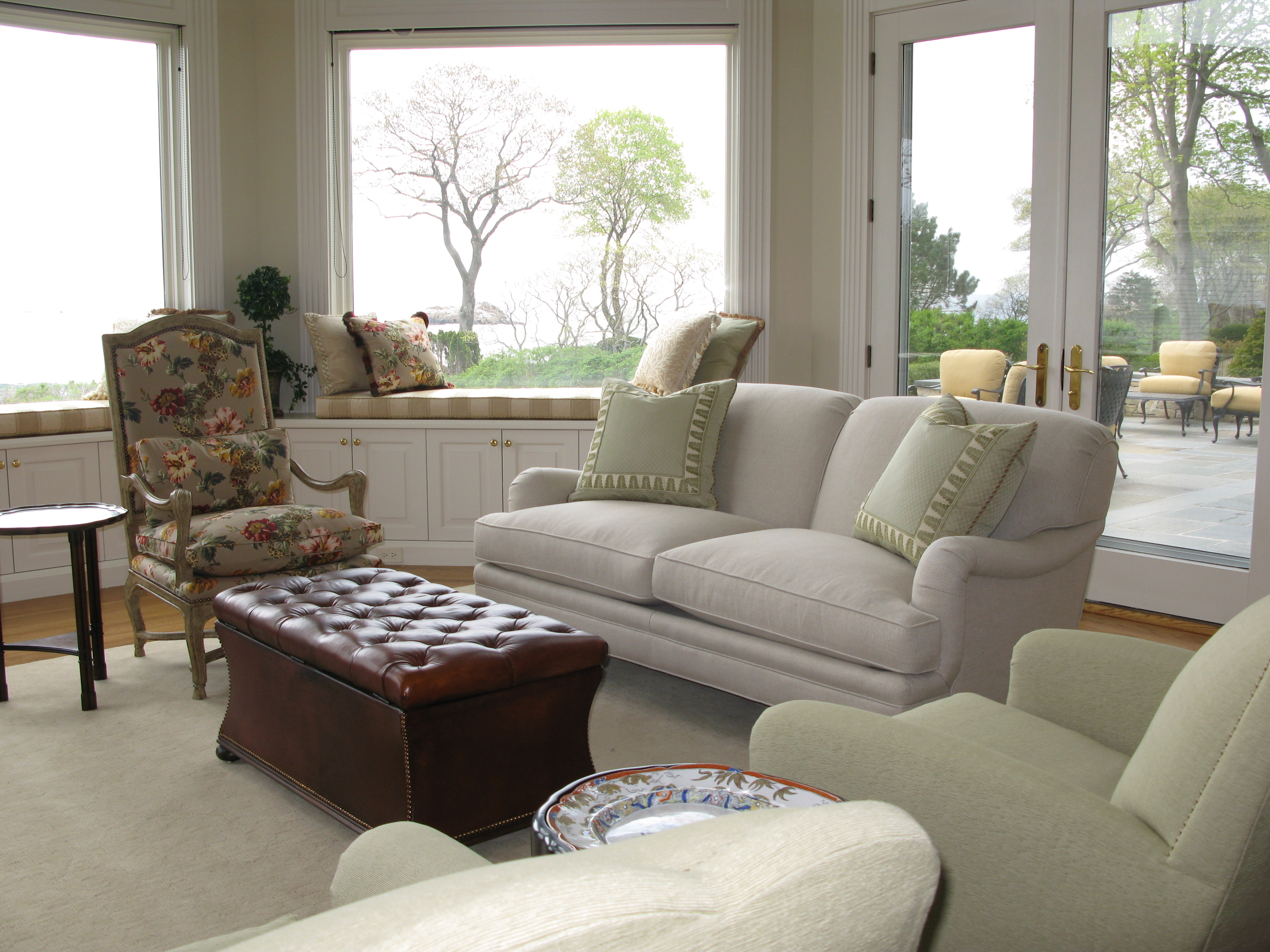 This Clean And Elegant Living Room Belongs To A Maturing Couple Who Wanted Remain In The Suburbs During Summer Months When They Are Not