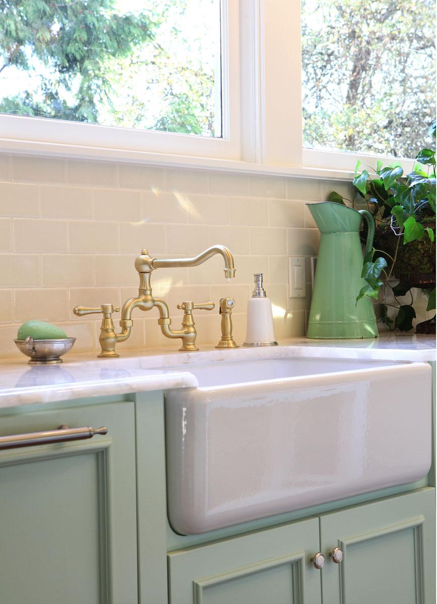 craftsman interiors kitchen afreakatheart. Black Bedroom Furniture Sets. Home Design Ideas