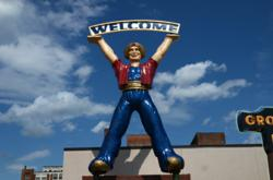 The Carpeteria genie all the way from California welcomes visitors to the American Sign Museum