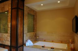 LA Build Corp can create an efficient yet immaculate bathroom to give you the feel of spa getaway.