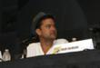 FRINGE star Joshua Jackson sporting an Observer fedora at Comic-Con 2012.