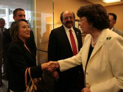 Assemblymember Mary Hayashi meets with U.S. Senator Dianne Feinstein