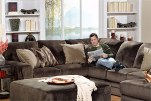 Awesome The Jackson Everest On Sale Is A Comfortable Microfiber Fabric With  Chocolate Upholstery. The Jackson Everest Is Complimented With Elegant  Accent Pillows.