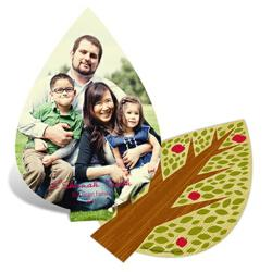 Make sure your Rosh Hashanah greeting cards are a cut above the rest. With a unique shape, these greetings will surely stand out. Add the meaningful element of the apple tree design along with your favorite picture, and your message will be remembered.
