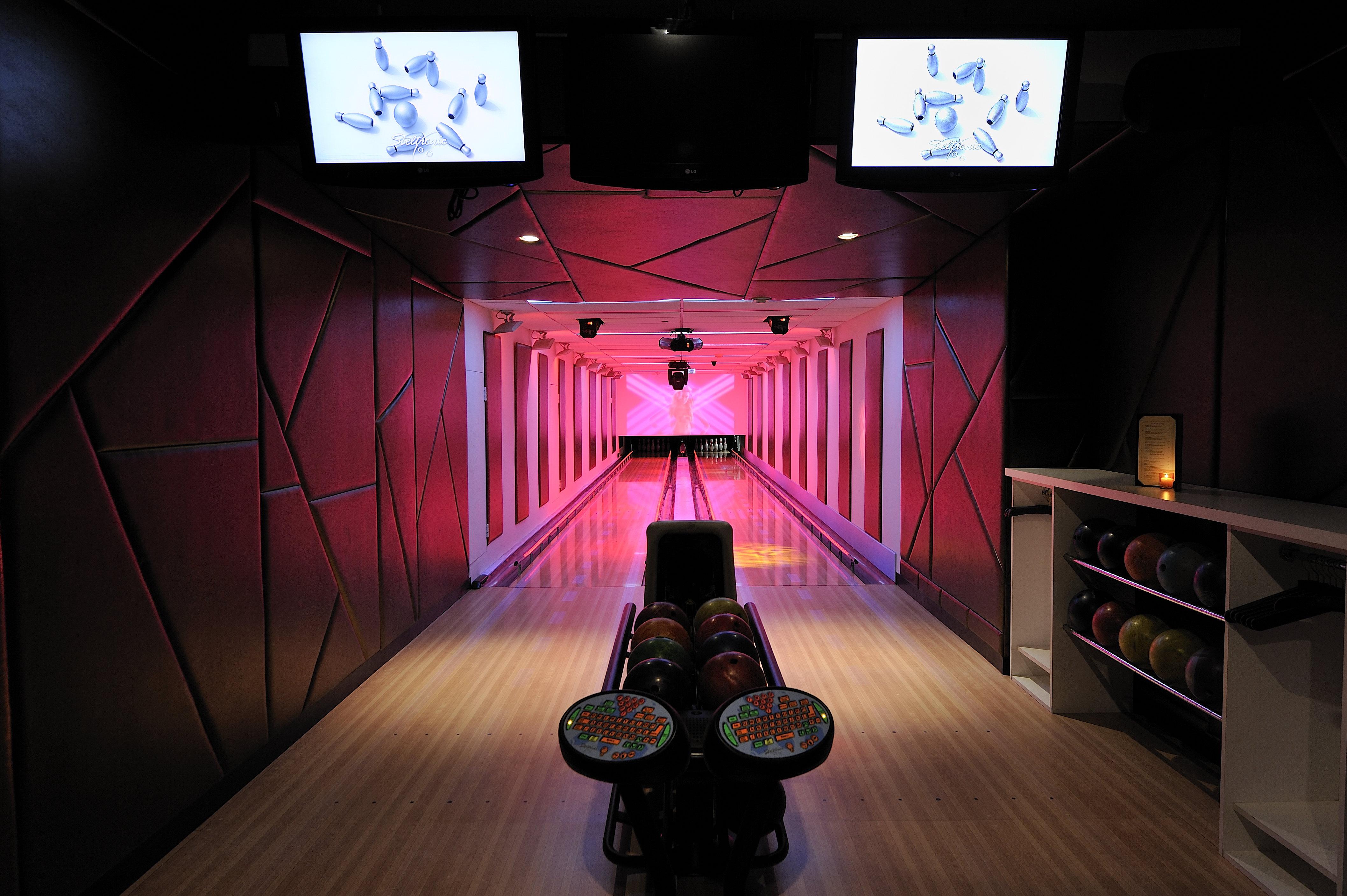 Frames Bowling Lounge Kicks Off an Italian Summer