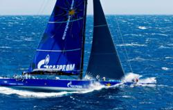 Esimit Europa 2 broke 9-years-old world sailing record