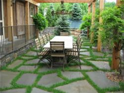 Attirant Flagstone Patio