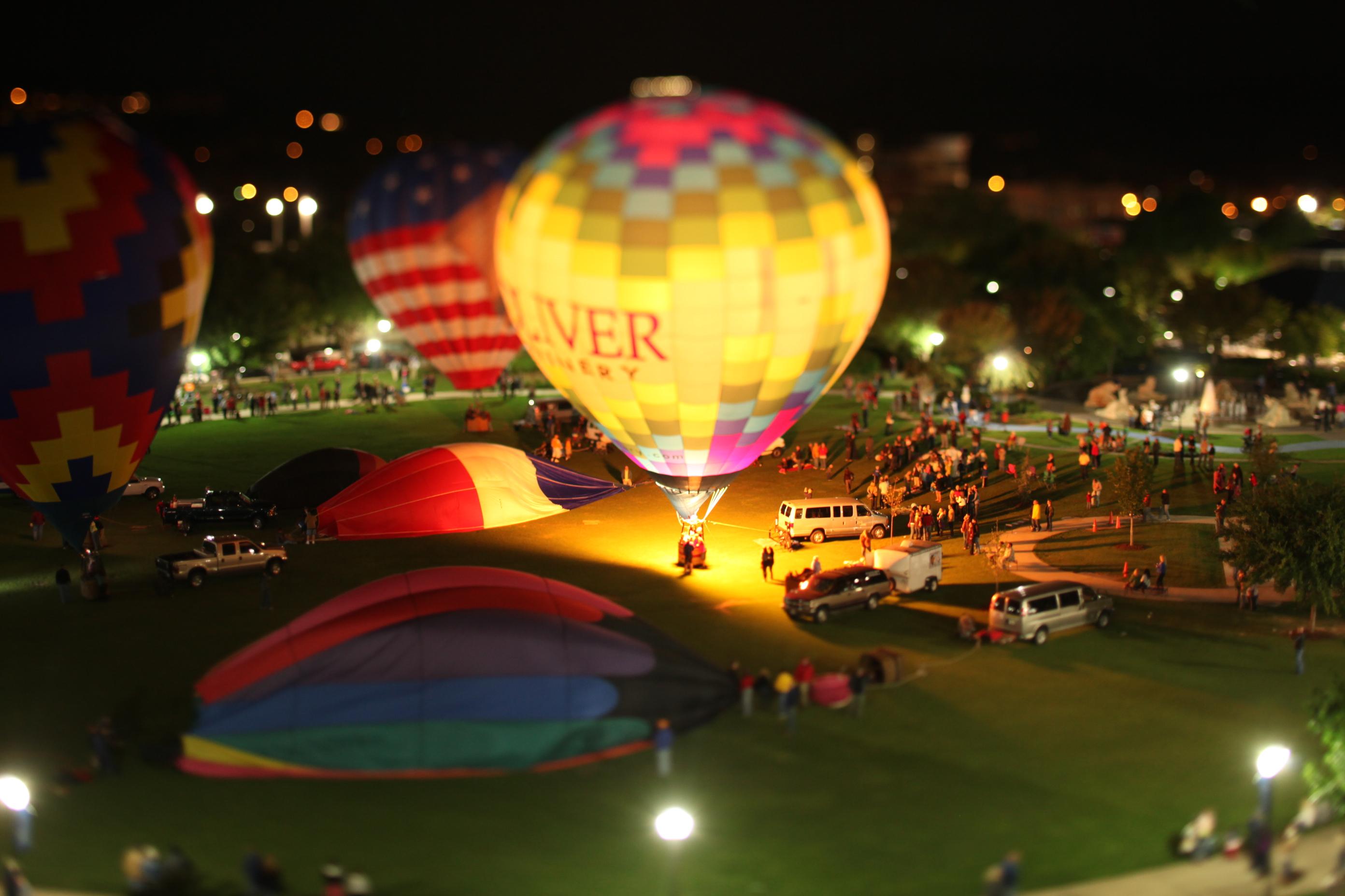 fall in chattanooga tn balloon glow festivals brilliant colors