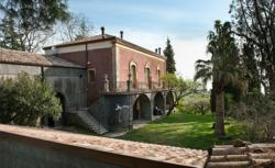 Small luxury boutique hotel Monaci delle Terre Nere