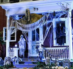 Halloween Decorations on the Front Porch