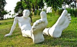 la sculpture Bigfoot a disparu de la place publique de Carla Bayle