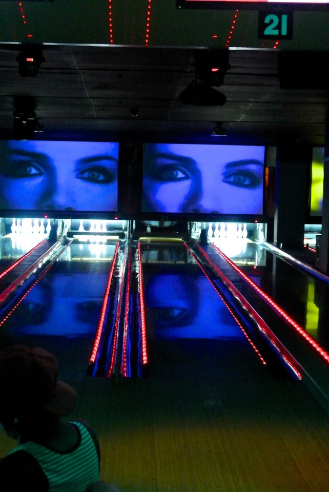 Frames Bowling Lounge in Midtown NYC Caters to Post-Wedding Parties
