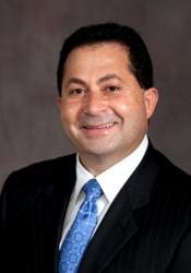 Anton Fakhouri, M.D., an orthopaedic surgeon with MidAmerica Hand to Shoulder Clinic is fellowship trained in hand and microsurgery.