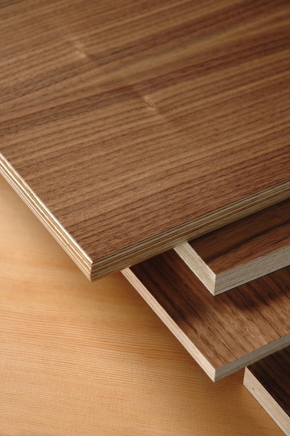 Europly plus™ and mpx hardwood plywood panels from