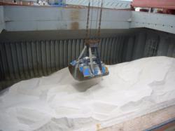 De-icing salt ship interior