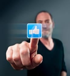Facebook Ad Revenues Suggest Time is Right For Small Business Social Media Advertising