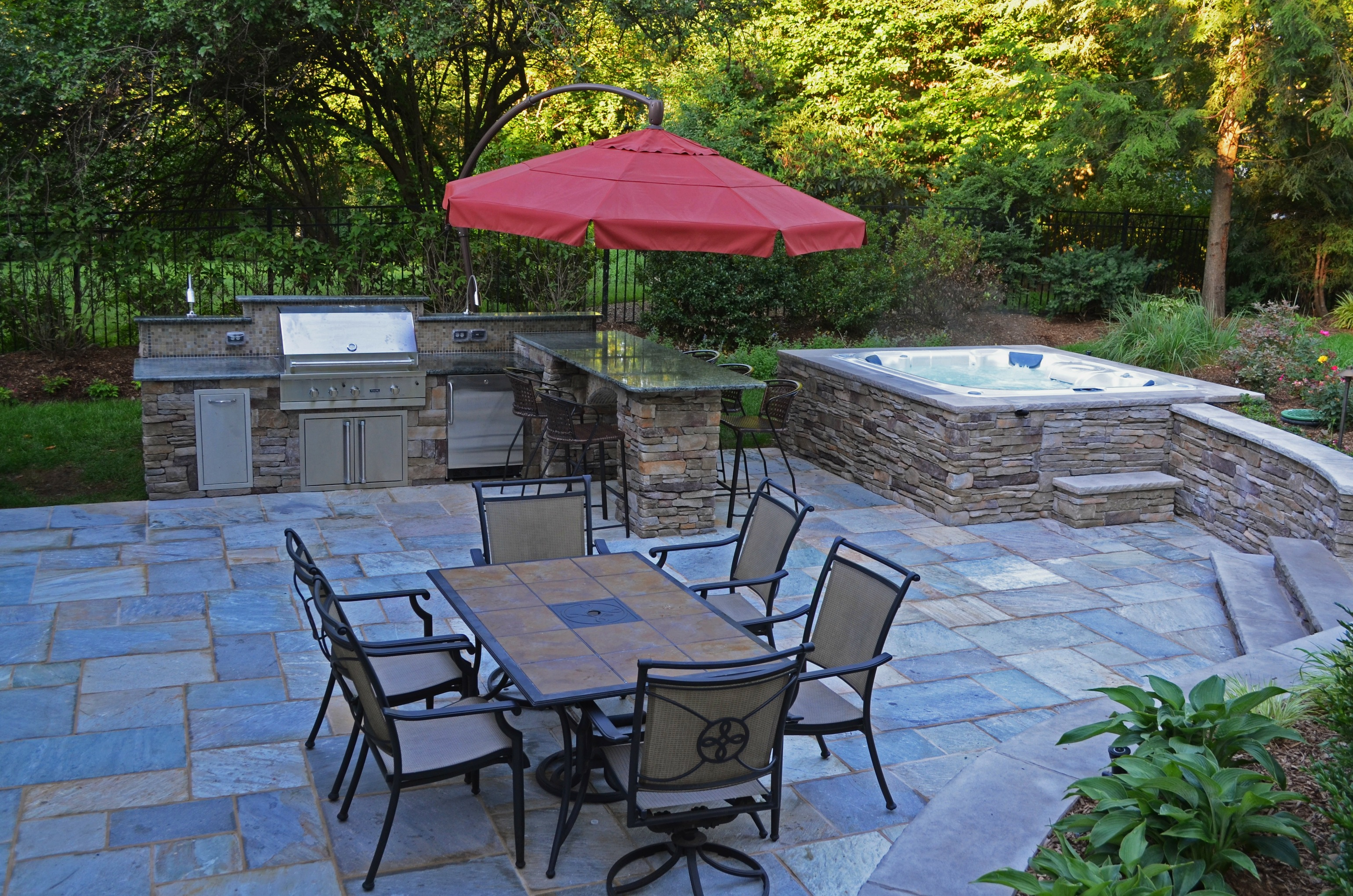 Ridgewood nj swimming pool landscaping renovation wins award for Outdoor landscape design