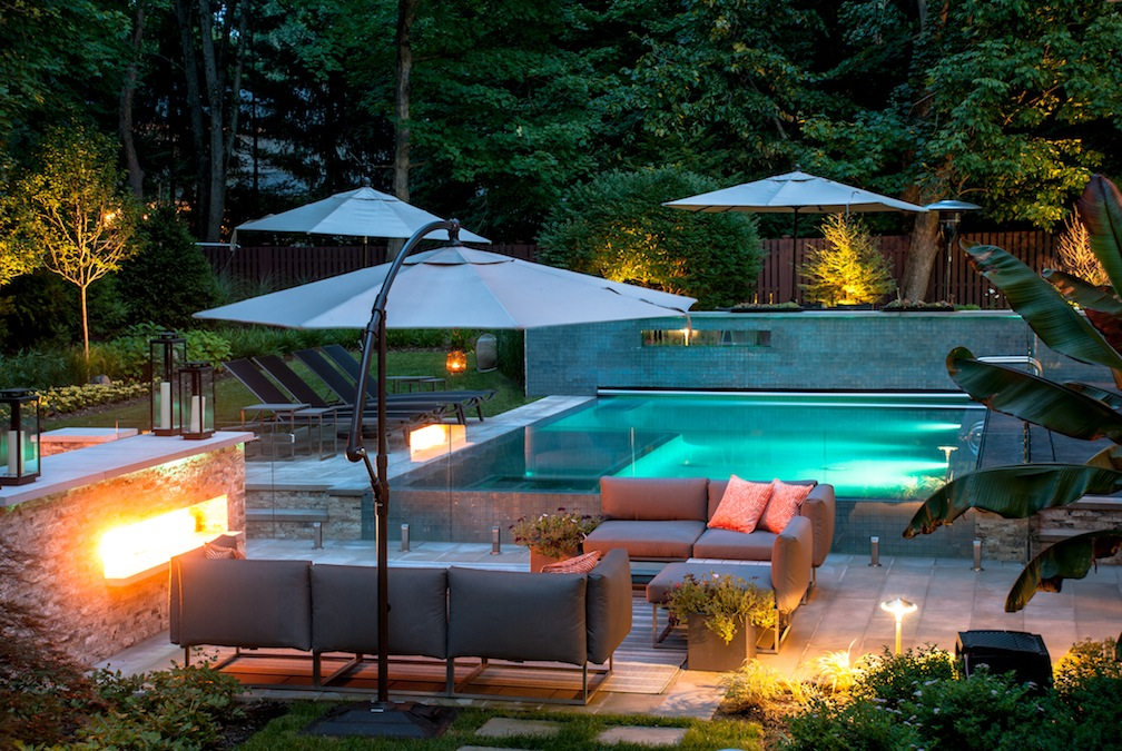 Upper saddle river nj swimming pool receives award for design for Contemporary backyard landscaping ideas