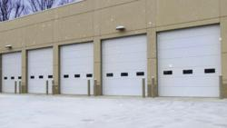 Polyurethane-insulated-commercial-sectional-door