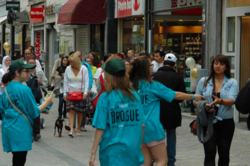 Young Scientologists distribute Truth About Drugs booklets in communities throughout Belgium.
