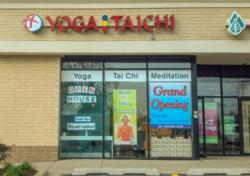 Dahn Yoga celebrates opening of Glen Ellyn, IL studio