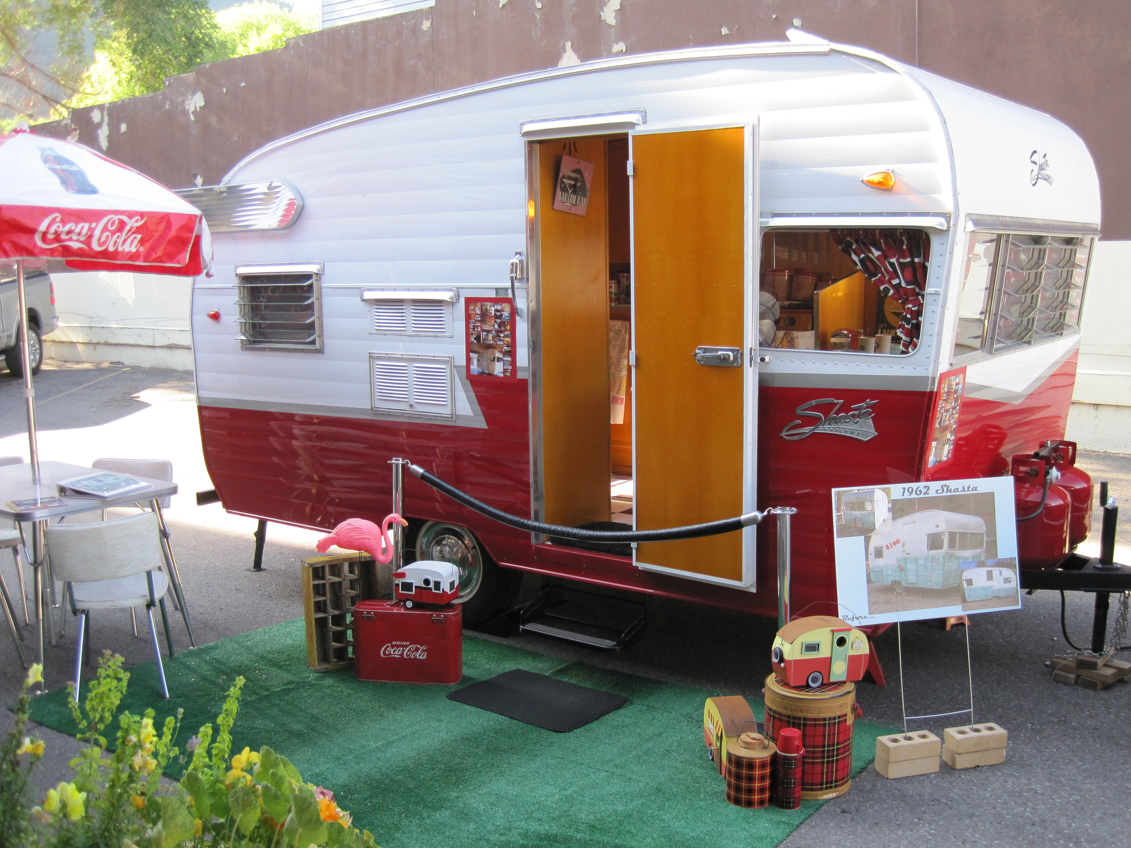 Nash Travel Trailers >> High Demand for Vintage Travel Trailers Sparks the Creation of Retro Trailer Design