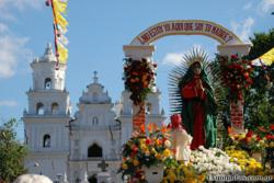 The Los Angeles Flower District California Flower Mall opens later hours to help customer get wholesale and discount fresh flowers for the Dia de Guadalupe celebration.