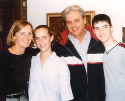 Lung cancer victim William Champagne with his family