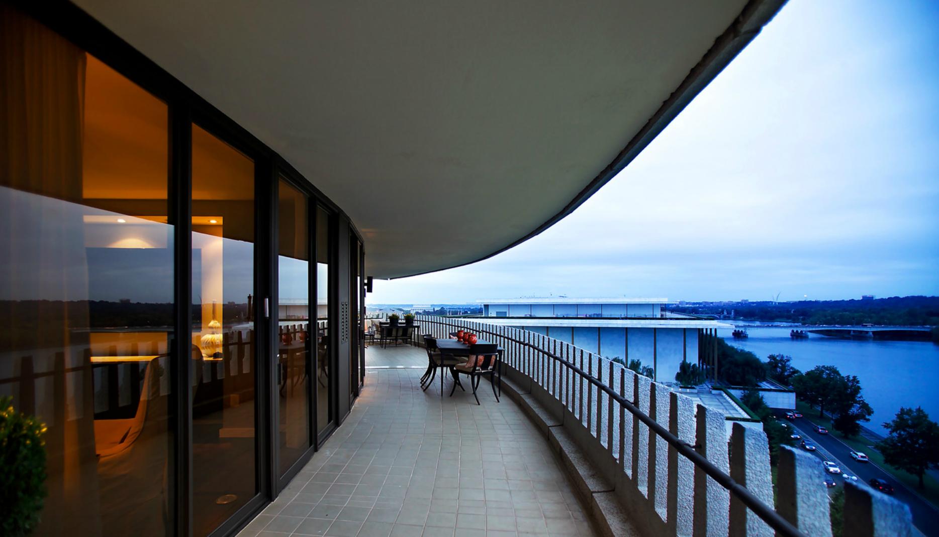 Dc Luxury Real Estate Stages Comeback Ttr Sotheby S