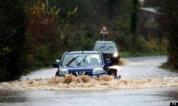 Advice for motorists when driving in floods