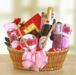 What Women Want Valentine S Day Gift Ideas From Giftbasketsplus Com