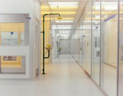 Light Weight Cleanroom Wall System