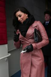 Actress Eva Longoria carries the Jill Milan Pacific Heights Clutch as she arrives at the U.S. Capitol for President Barack Obama's presidential inauguration in Washington, D.C. on January 21, 2013 (Photo: WIN MCNAMEE / AFP / Getty Images)