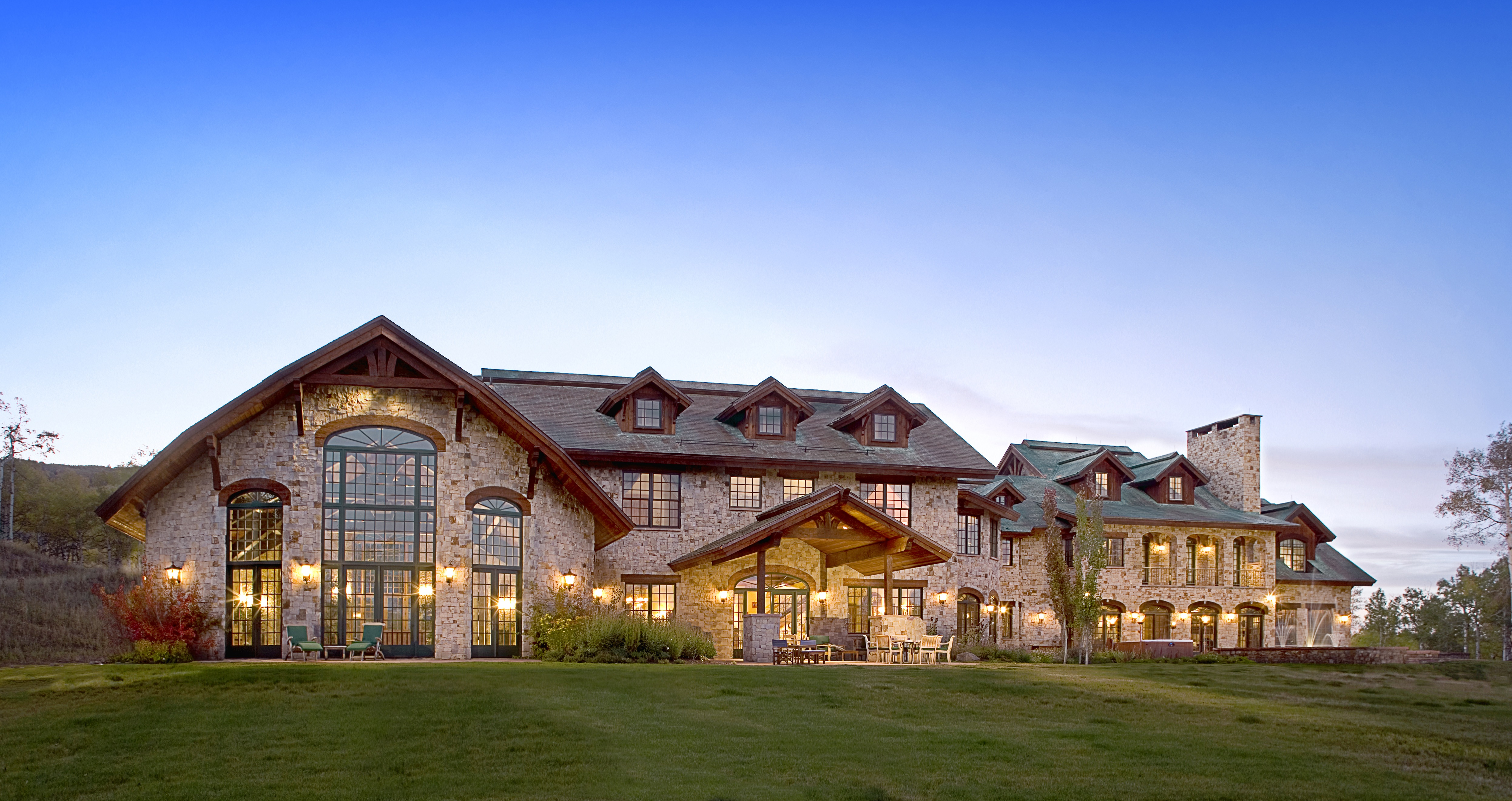 steamboat springs estate sold by grand estates auction company at absolute auction for more than