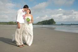 Costa Rica destination wedding in Manuel Antonio