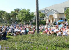 Fiddler's Creek homeowners Enjoy the Concert on the Green
