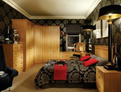 Classic oak fitted bedroom