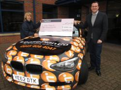 LeasePlan Go presents a £1,000 donation to Willen Hospice.