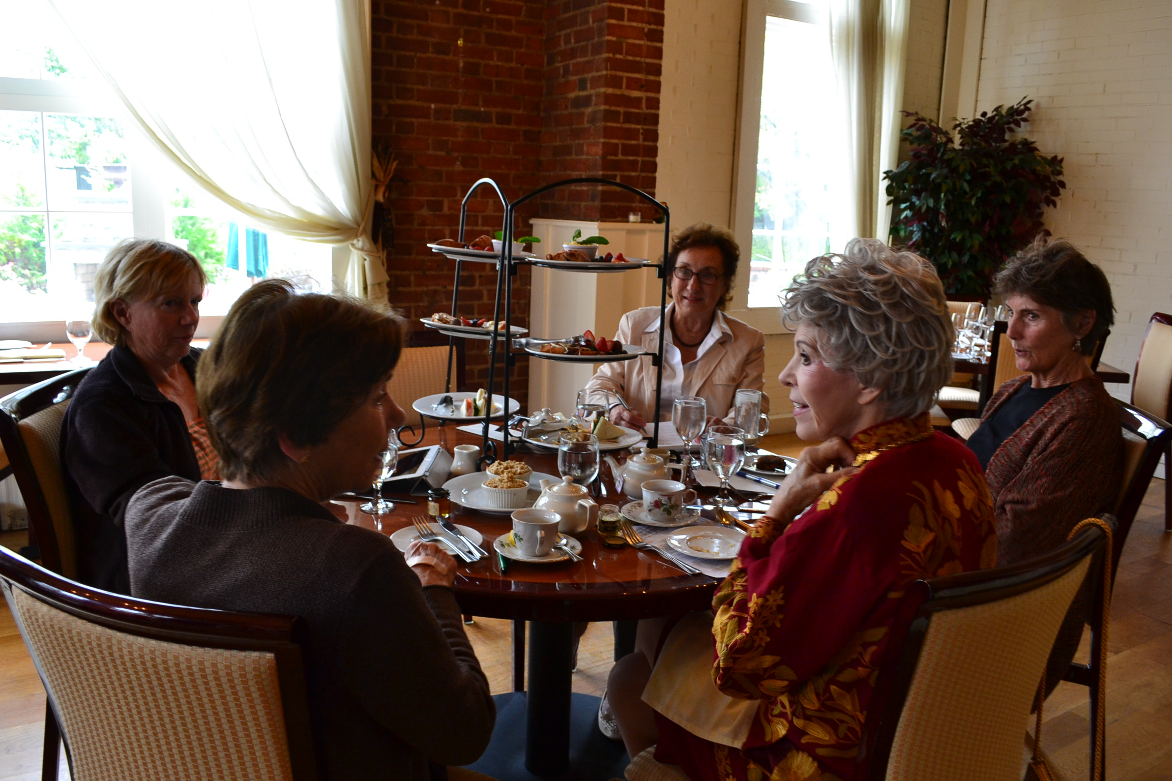 Downton Abbey Inspired Tea Time At Hotel Viking In Newport