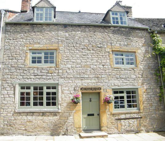 jigsaw holidays cotswolds cottage holiday rentals presents
