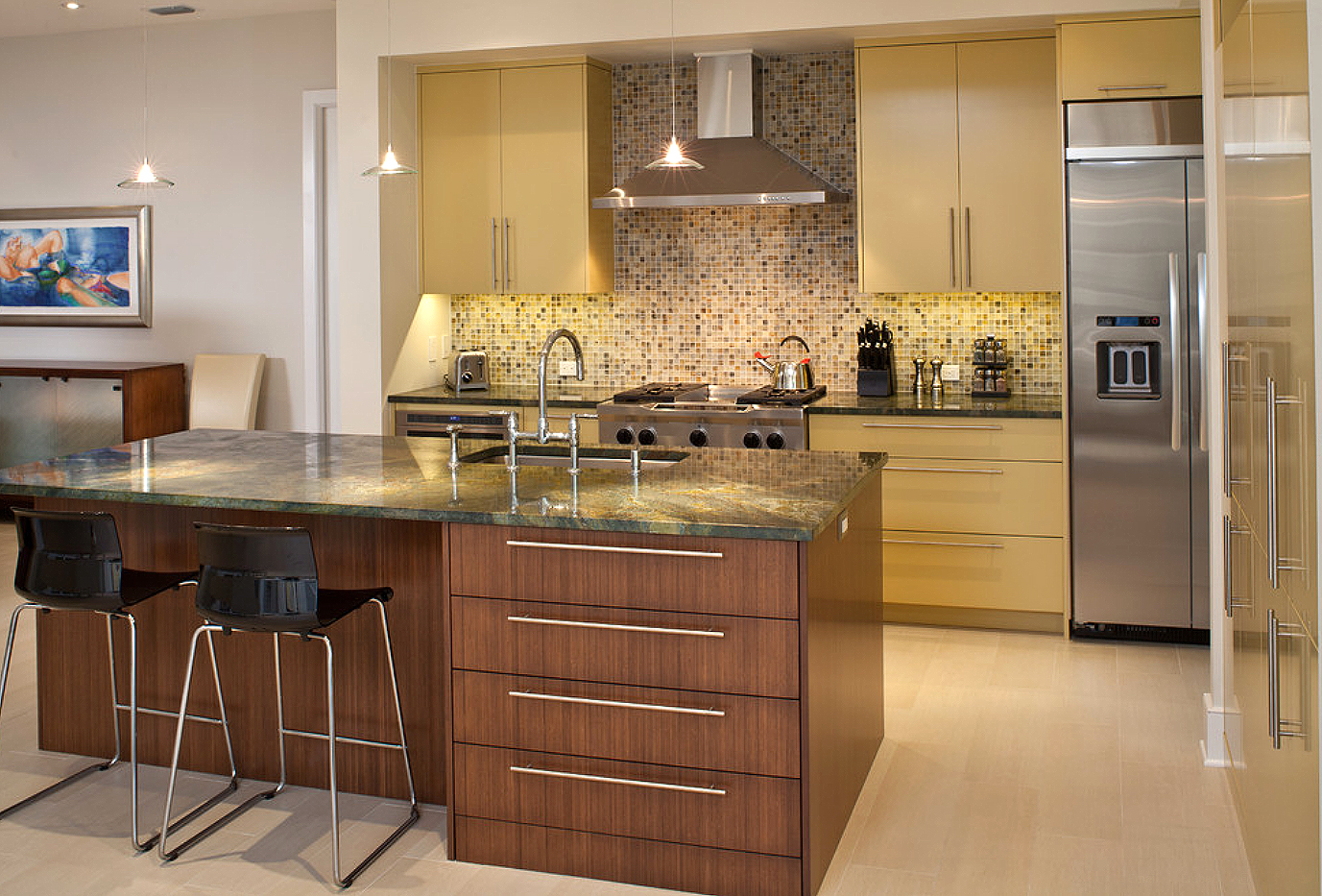 Luxury kitchen designs 2013 images for Kitchen design houzz