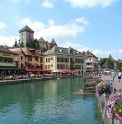 Cyclomundo's Three Lake Tour ends in Annecy