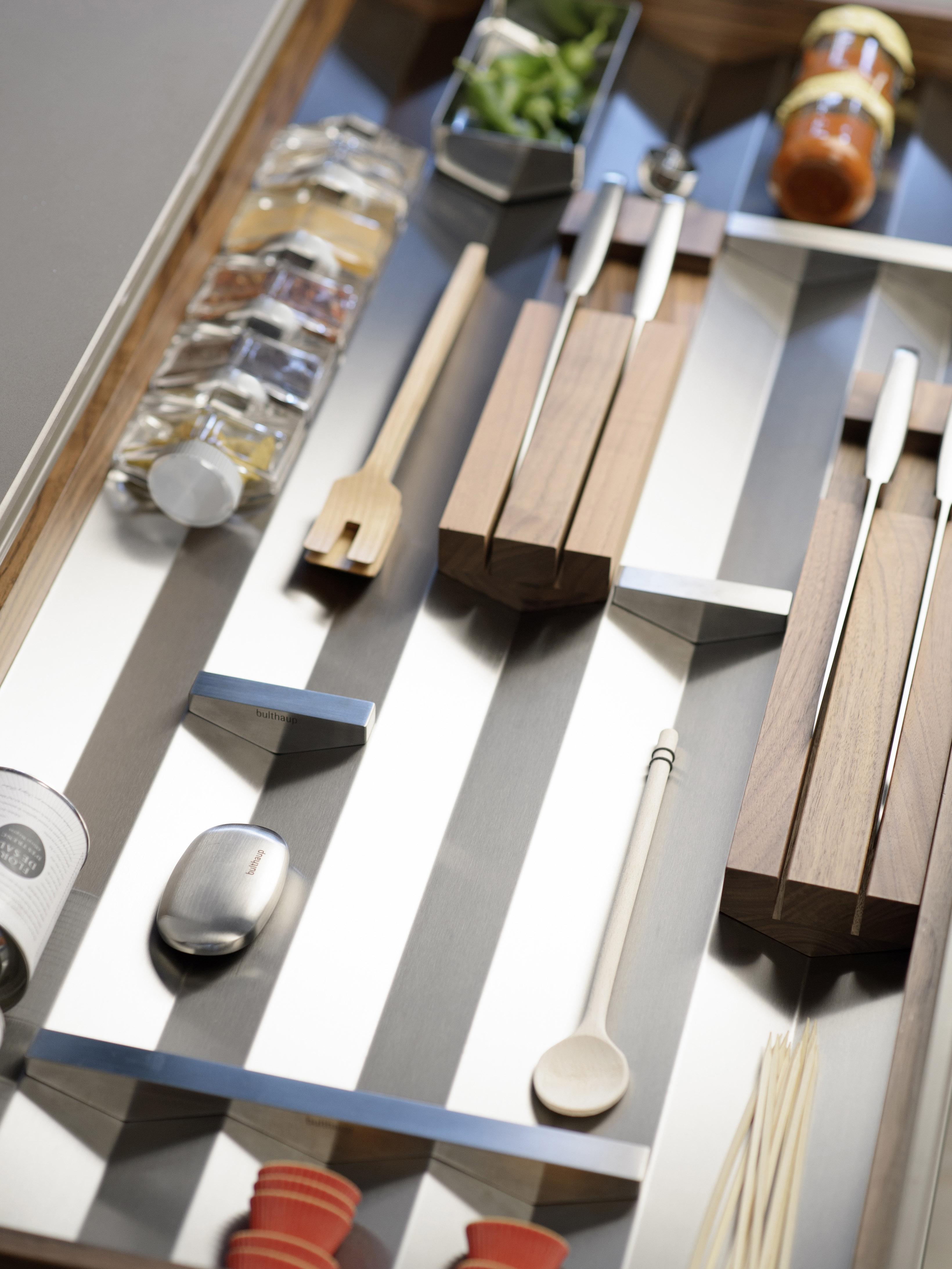 bulthaup b3 interior fitting system wins 2013 design award. Black Bedroom Furniture Sets. Home Design Ideas