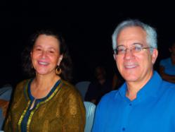 Austin vein specialist Dr. Steven Zimmet and his wife in India