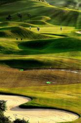must-play golf courses and must-stay golf resorts